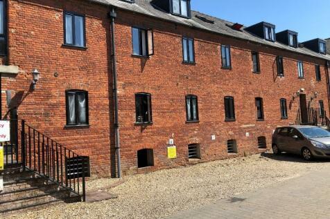 Dereham, Norfolk, NR19. Studio flat for sale