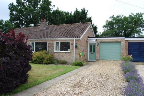 Halls Drive, Gressenhall, NR20. 2 bedroom semi-detached bungalow for sale