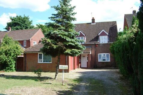 Norwich Road, Dereham, Norfolk, NR20. 4 bedroom detached house for sale