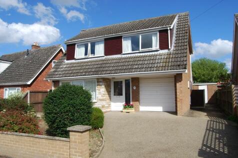 Carlton Close, Dereham, Norfolk, NR19. 4 bedroom detached house for sale