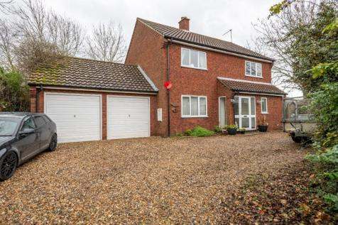 Thetford Road, Watton, IP25. 4 bedroom detached house for sale