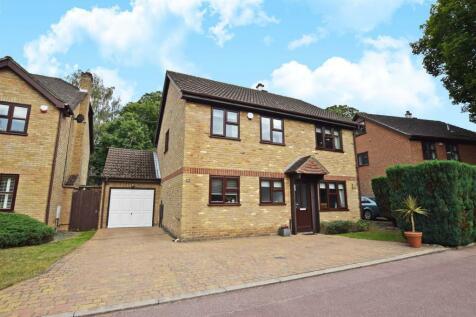 Barncroft Drive, Hempstead, Gillingham. 4 bedroom detached house