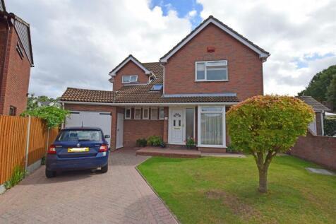 Foulds Close, Gillingham. 5 bedroom detached house