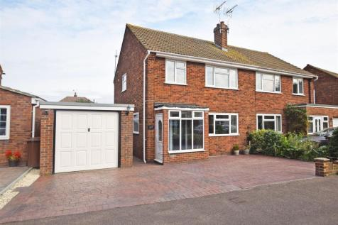Wooldeys Road, Rainham, Gillingham. 3 bedroom semi-detached house