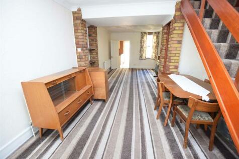 Hothfield Road, Rainham, Gillingham. 2 bedroom terraced house