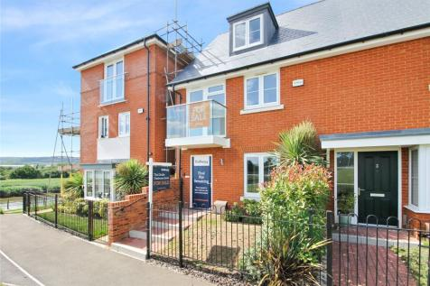Portland Gardens, Wouldham, Rochester, Kent, ME1. 3 bedroom end of terrace house
