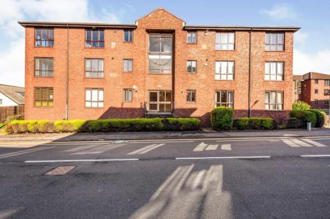 Rutherford Court, Kirkcaldy, Fife, KY1. 3 bedroom flat for sale