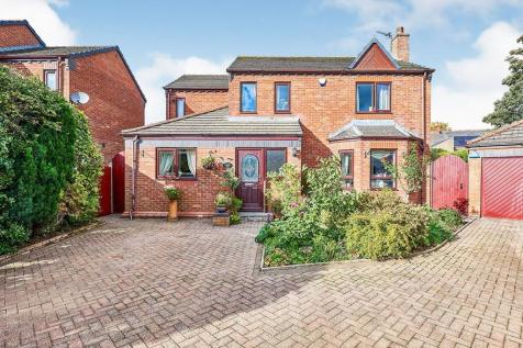 Riverside Way, Carlisle, Cumbria, CA1. 4 bedroom detached house for sale