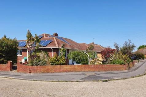 Robins Close, Stubbington, Fareham. 3 bedroom semi-detached bungalow