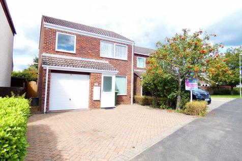 Plymouth Drive, Stubbington, Fareham. 3 bedroom detached house
