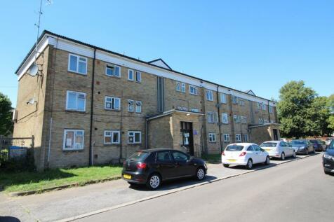 Hillary Road, Adeyfield, Hemel Hempstead, Hertfordshire, HP2. 2 bedroom flat