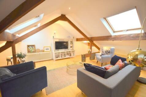 Clare Street, Northampton, NN1. 2 bedroom flat for sale