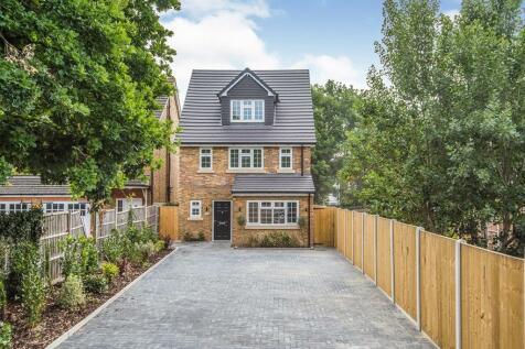 Lanigan Drive, Hounslow, TW3. 4 bedroom detached house