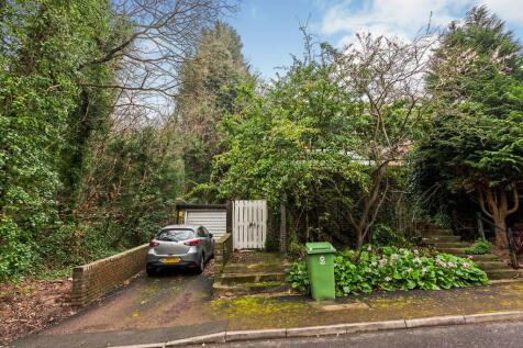 Peckarmans Wood, London, SE26. 3 bedroom end of terrace house for sale