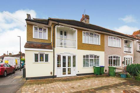 Brampton Road, Bexleyheath, DA7. 5 bedroom semi-detached house for sale