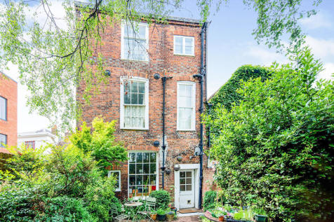 Best Lane, Canterbury, Kent, CT1. 4 bedroom house