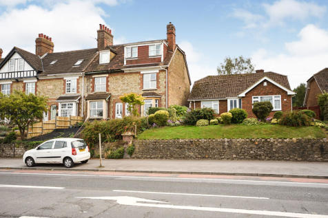 London Road, Ditton, Aylesford, ME20. 4 bedroom end of terrace house