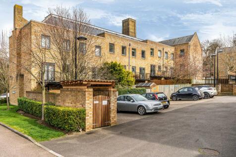 Marc Brunel Way, Chatham, Kent, ME4. 2 bedroom flat