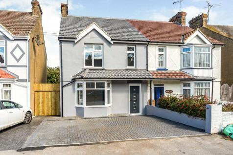 Sturdee Avenue, Gillingham, Kent, ME7. 3 bedroom semi-detached house