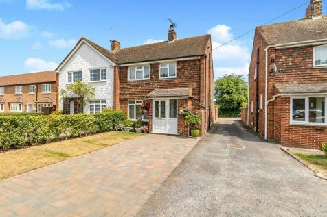 Lower Rainham Road, Rainham, Gillingham, Kent, ME8. 3 bedroom semi-detached house