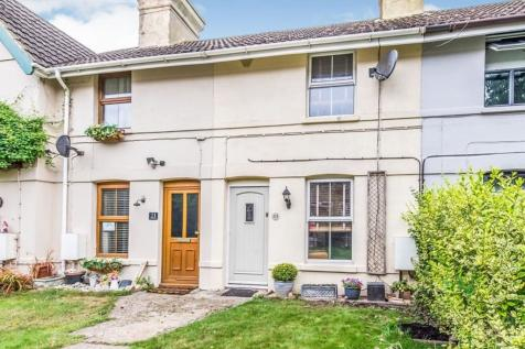 High Street, Wouldham, Rochester, ME1. 3 bedroom terraced house