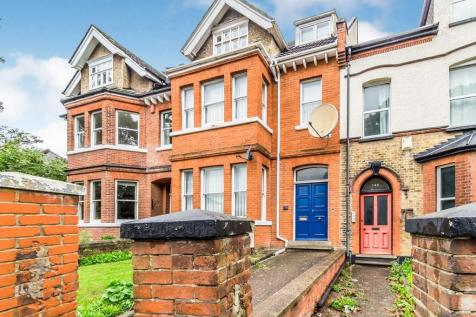 Maidstone Road, Rochester, Kent, ME1. 5 bedroom terraced house for sale