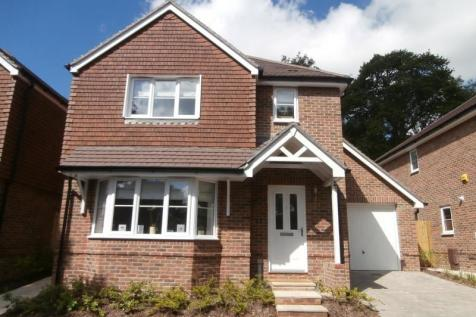 Woodlea Court, Havant Road, Horndean, Waterlooville, PO8. 4 bedroom detached house for sale