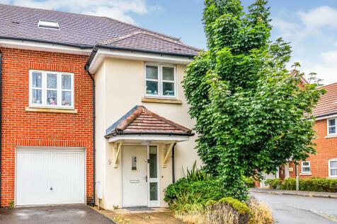 Testwood Place, Totton, Southampton, Hampshire, SO40. Semi-detached house