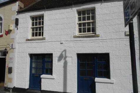 Market Place, Westbury, Wiltshire, BA13. 1 bedroom ground floor flat