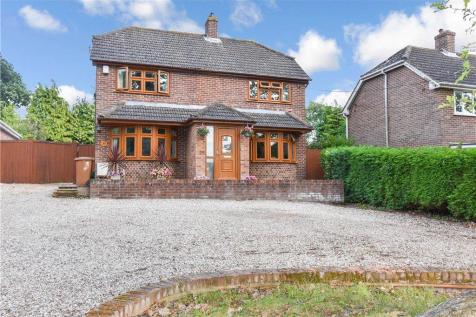 Horns Drove, Rownhams, Southampton, Hampshire. 4 bedroom detached house