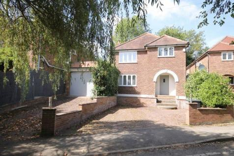 LEATHERHEAD. 4 bedroom detached house for sale