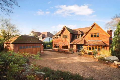 FETCHAM KT22. 5 bedroom detached house for sale