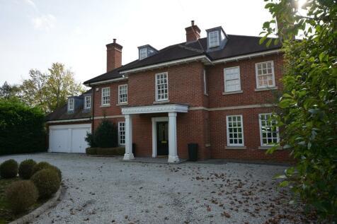 Sylvan Avenue, Emerson Park, Hornchurch, London, RM11. 6 bedroom detached house for sale