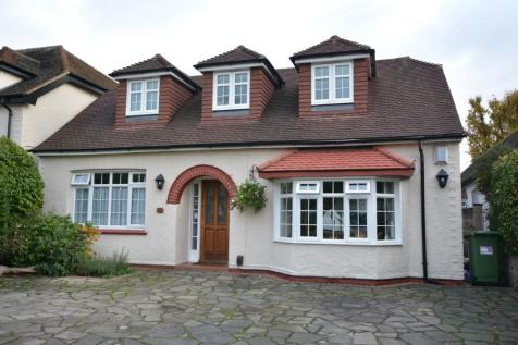 Haynes Road, Ardleigh Green, Hornchurch, London, RM11. 4 bedroom chalet for sale