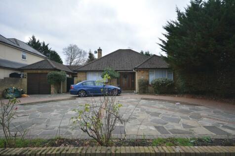 Woodlands Avenue, Emerson Park, Hornchurch, London, RM11. 2 bedroom detached bungalow for sale