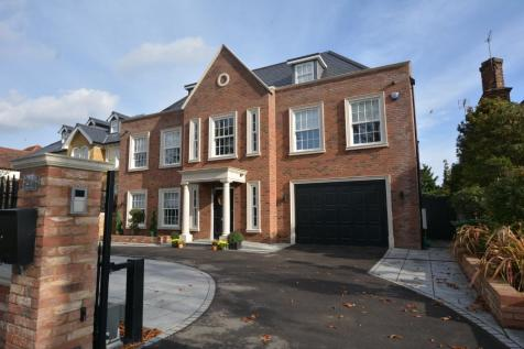 Nelmes Way, Emerson Park, Hornchurch, London, RM11. 6 bedroom detached house for sale