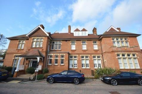 Wildcary Lane, Kings Park, Harold Wood, London, RM3. 3 bedroom duplex for sale