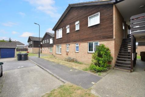 Holmedale, Slough, SL2, Berkshire property