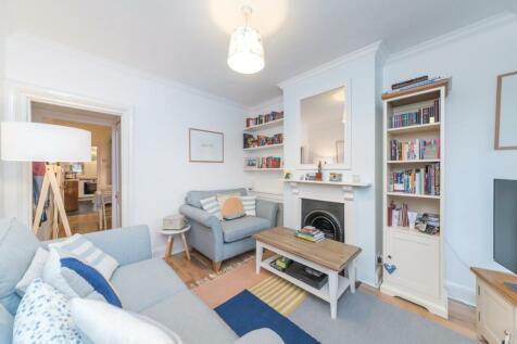 Grove Footpath, Surbiton, KT5. 2 bedroom terraced house
