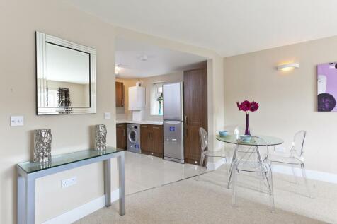 Flat  Beaufort Road, Kingston Upon Thames, KT1. 1 bedroom apartment