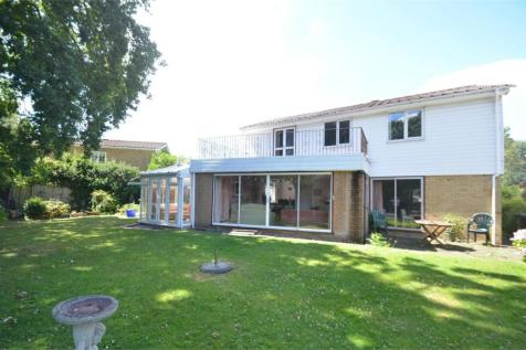 Farm Drive, Shirley, Croydon, Surrey. 4 bedroom detached house
