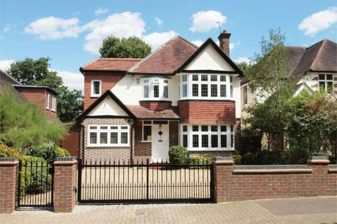 Broadoaks Way, Bromley, Kent. 4 bedroom detached house