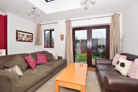 Simons Close, Crowborough, East Sussex. 3 bedroom terraced house for sale
