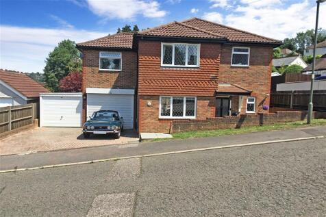 Highfield Road, Caterham, Surrey. 3 bedroom detached house