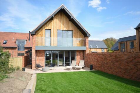 Buckland Granaries, Sway Road, Lymington, Hampshire, SO41. 4 bedroom detached house
