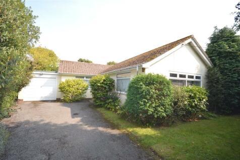 Woodside Lane, Lymington, Hampshire, SO41. 2 bedroom bungalow