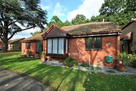Stuarts Way, BRAINTREE, Essex. 2 bedroom semi-detached bungalow