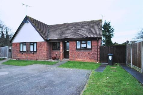 Thames Close, BRAINTREE, Essex. 2 bedroom semi-detached bungalow