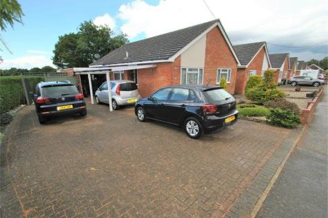 Evelyn Road, Willows Green, Gt Leighs, Chelmsford, Essex. 3 bedroom detached bungalow