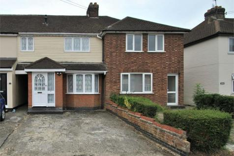 Buckwoods Road, BRAINTREE, Essex. 2 bedroom terraced house